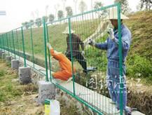 供应铁路护栏网铁路封锁网