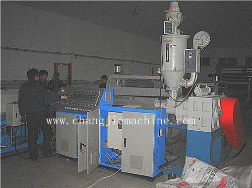 免烧砖pvc托板板材生产线