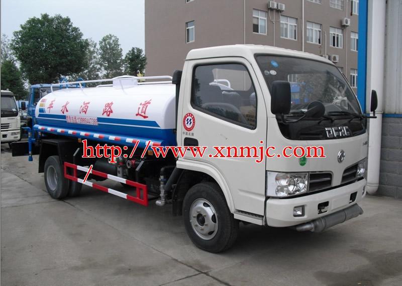 供应内蒙古包头小型洒水车成交价 小型吸污车 贵州吸粪车 吸粪车厂家