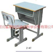 山东方管圆管课桌椅图片