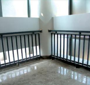 锌钢护栏特点10广东阳台护栏厂图片