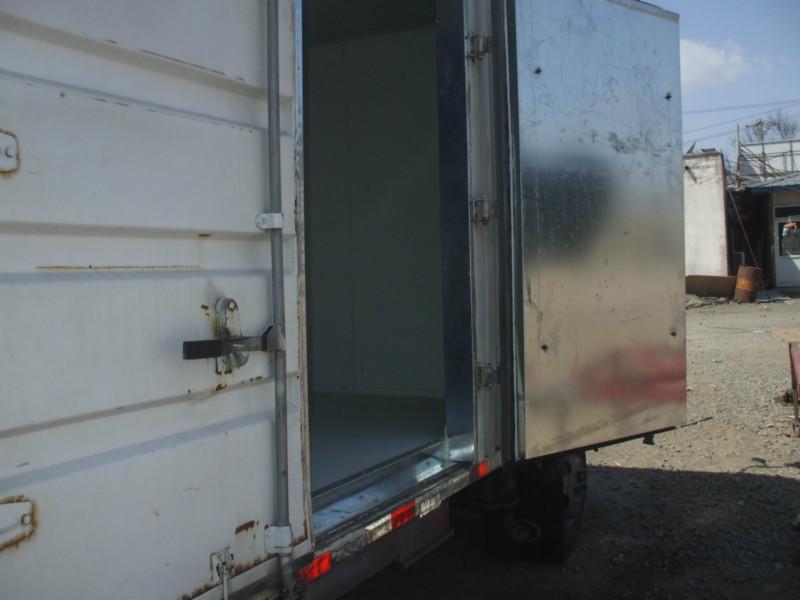 供应瓦棱铁车厢改装冷藏车