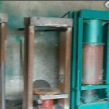 供应哪里有卖榨油机的;山东临沂卖榨油机;济南卖榨油机聚财机械图片