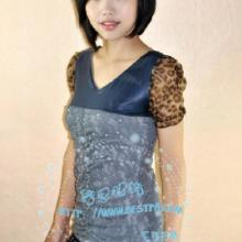 供应最新款时尚韩版T恤流行吊带衫背心批发厂家直销韩版服装