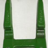 供应:锻造收割机刀杆、护刃器、耙齿、缸头、摆环箱、切割器总成