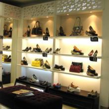 真皮皮包展柜制作、皮革展柜、女式手提包展柜、包包展柜皮具展柜 图片