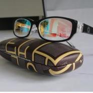 玻璃色盲框架眼镜图片