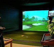 成都高尔夫模拟器/模拟高尔夫个人练习用品/球场高尔夫模拟器