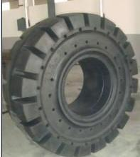 载重汽车轮胎