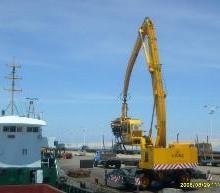供应全液压轮胎式卸船机抓斗起重机