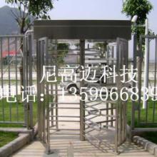 供应三翼滚闸,珠海企业全高转闸,广州车站手动不锈钢十字旋转门批发