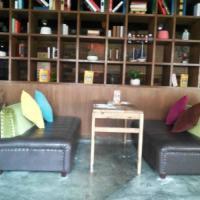 供应平顶山咖啡厅沙发,梦达家具厂家定制