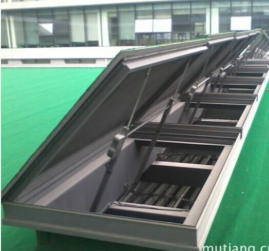 供应屋顶电动天窗图片