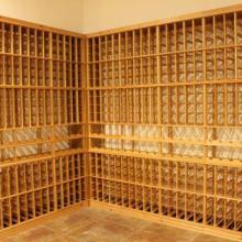 供应用于红酒酒架的莱芜酒窖酒架设计装修批发