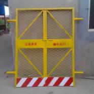 青岛安全电梯门配件图片