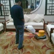 干泡清洗方式地毯清洗图片