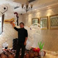 气球造型装饰布置/气球白马造型图片