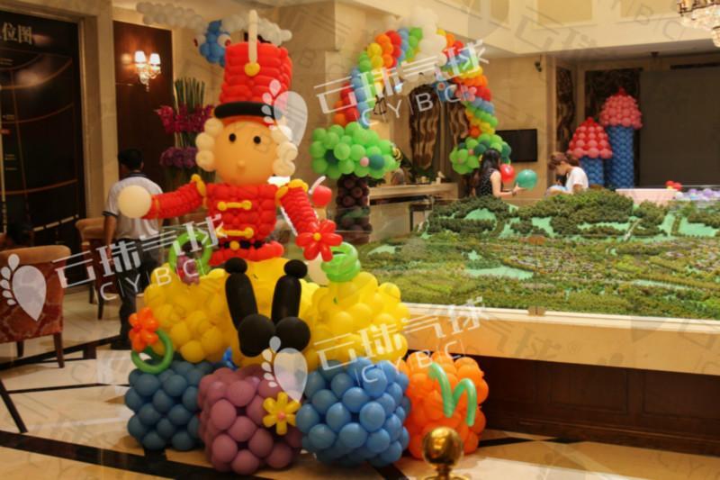 供应气球造型装饰布置/成都气球造型