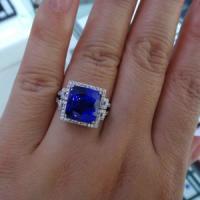 供应坦桑蓝宝石戒指18K金伴钻坦桑石