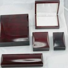供应银色时尚首饰盒 饰品包装盒 配件批发 装项链手链银色时尚 小礼品