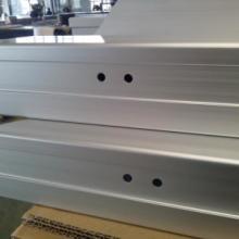 供应用于客车卧铺的铝合金型材45度锯切冲孔,铝合金型材精度锯切冲压加工,铝合金制品CNC数控加工辽宁厂家批发