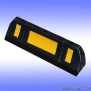 公路橡胶减速垄|橡胶减速带图片