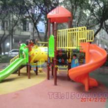 供应巫山县儿童游乐设备,重庆幼儿园绳网攀爬玩具定制重庆木质儿童滑梯儿童游乐设备厂家图片