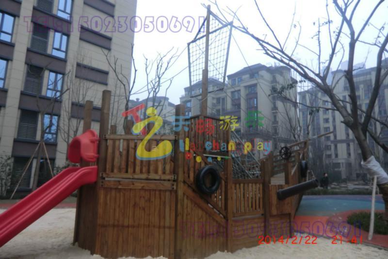 供应龙湖地产大型木质海盗船施工单位,重庆大型游乐木质海盗船专业制作