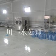 桶装水灌装机图片