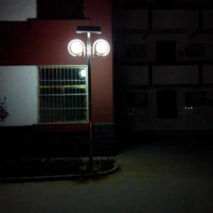 东平权威太阳能路灯厂家图片