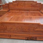 仿古实木床图片