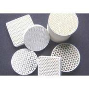 氧化铝蜂窝陶瓷过滤片图片