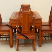 花梨木餐桌图片