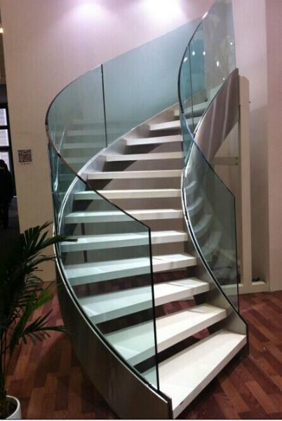 玻璃楼梯护栏图片