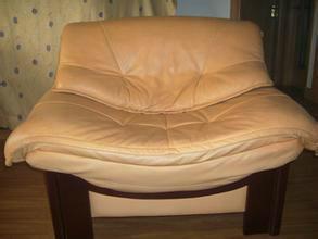 供应广州专业沙发维修-专业沙发翻新-黄埔办公沙发-休闲沙发-班椅-餐椅等维修翻新