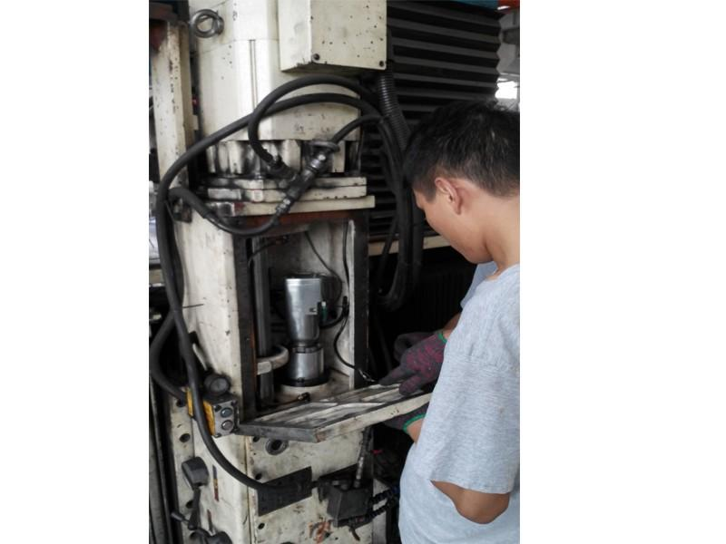 苏州机床维修保养 苏州机床主轴维修推机床维修朢