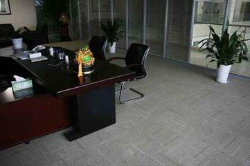 供应PVC方块地毯/郑州PVC地毯厂家
