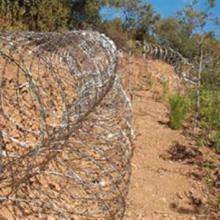 锌钢围栏,刺铁丝围栏安装,围地围栏哪里有卖怎么卖定做多少钱一米批发