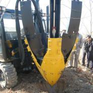 苗木行情园林机械先锋帝盟挖树机图片