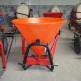 供应新型撒肥机供新型撒播机 撒肥机 农业机械 农用撒肥机