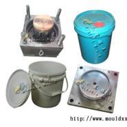 20L塑胶润滑油桶模具图片