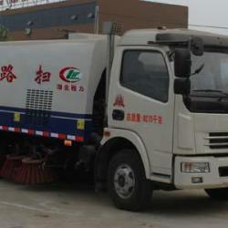 供应厂家直销东风多利卡扫路车,洛阳扫路车价格