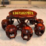 红木餐桌鼓凳图片
