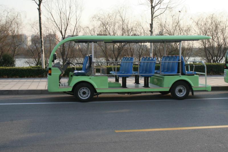19座燃油观光车