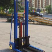 1吨2吨3吨手动液压堆高车图片