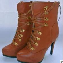 供应外贸女鞋现货库存女靴时尚高跟马丁靴批发