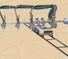 供应GCD3-100三割炬半自动气割机图片