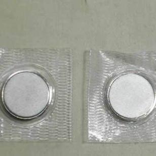 压PVC衣服磁铁图片