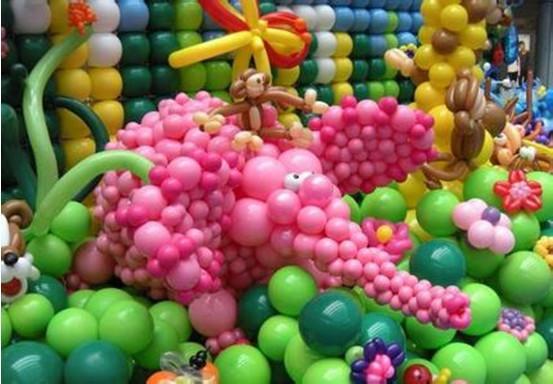 商场六一儿童节气球装饰图片