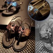 15新款真皮凉鞋图片